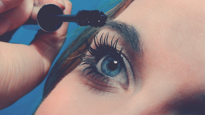 Curl your eyelashes