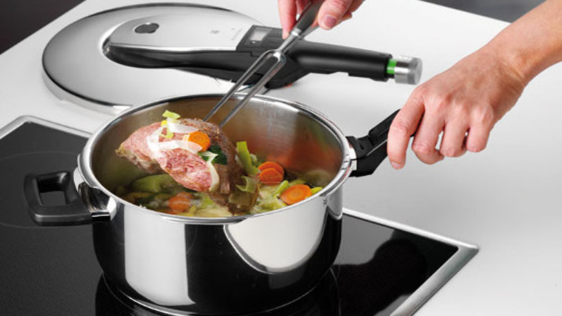 7 Advantages of Cooking With a Stainless Steel Pressure Cooker