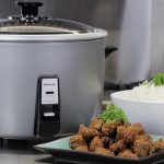 How A Small Rice Cooker Operates