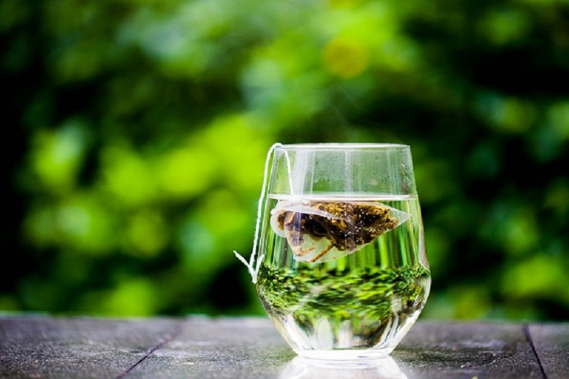Follow this formula to minimize the caffeine of green tea